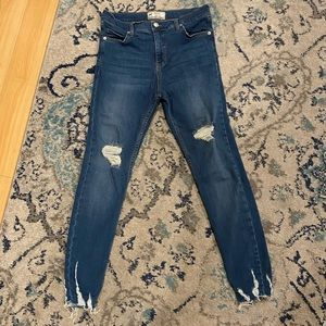 Free People high rise distressed skinny jeans 27